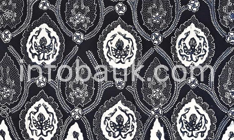 Batik Indonesia Surakarta Motif Bokor Kencono